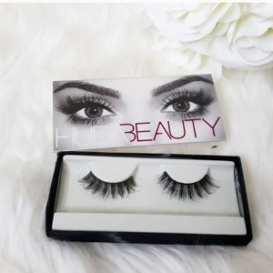 Huda Beauty Classic False Eyelashes  Samantha #7